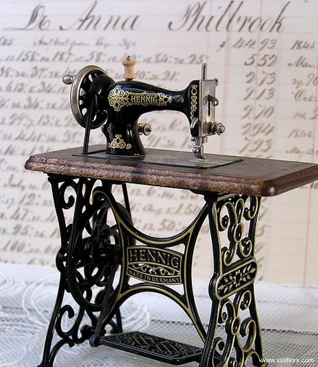 картинки старинная швейная машинка и ножнички сейчас можно