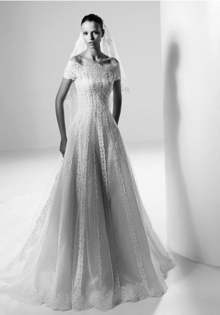 Valentino Wedding Dresses Bridal Gowns Designer Bridal Room In 2020 Valentino Wedding Gowns Valentino Wedding Dress Valentino Bridal