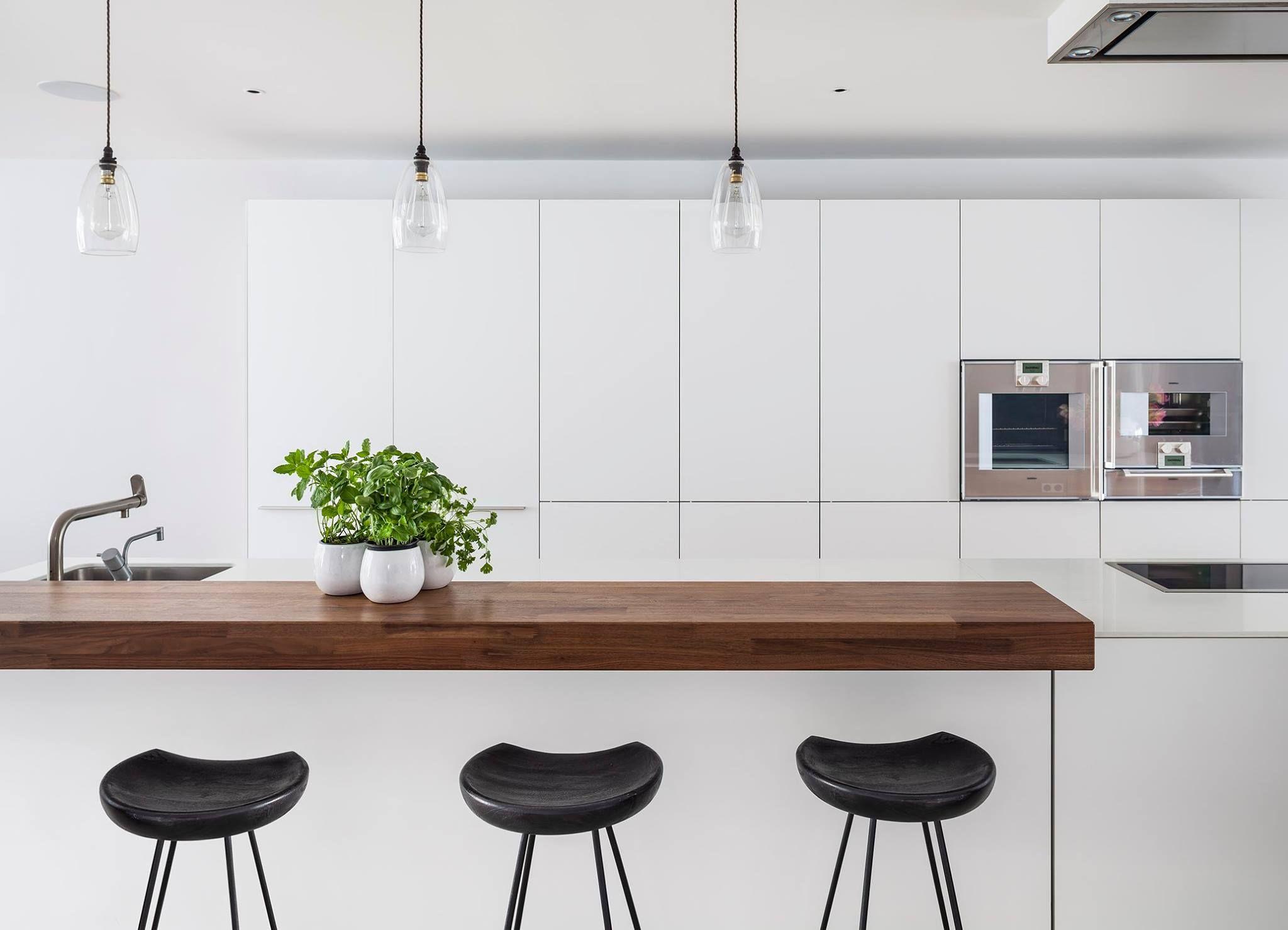 Moore Park House Jo Cowen Architects www.jocowendesign.com #kitchen ...