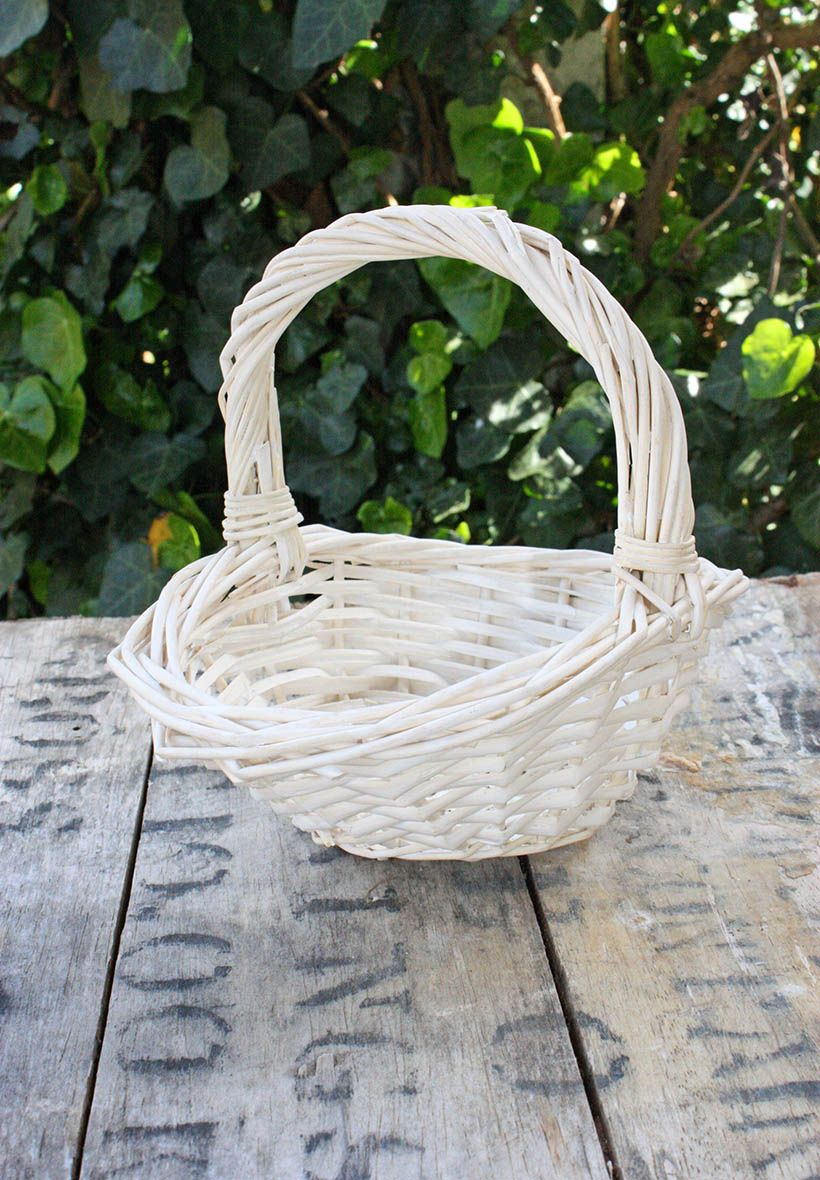 25 best ideas about panier osier blanc on pinterest for Chaise en osier blanc