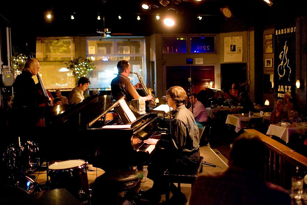 Tula S Restaurant And Jazz Club 2214 2nd Ave Seattle Wa 98121 Jazz Club Belltown Emerald City
