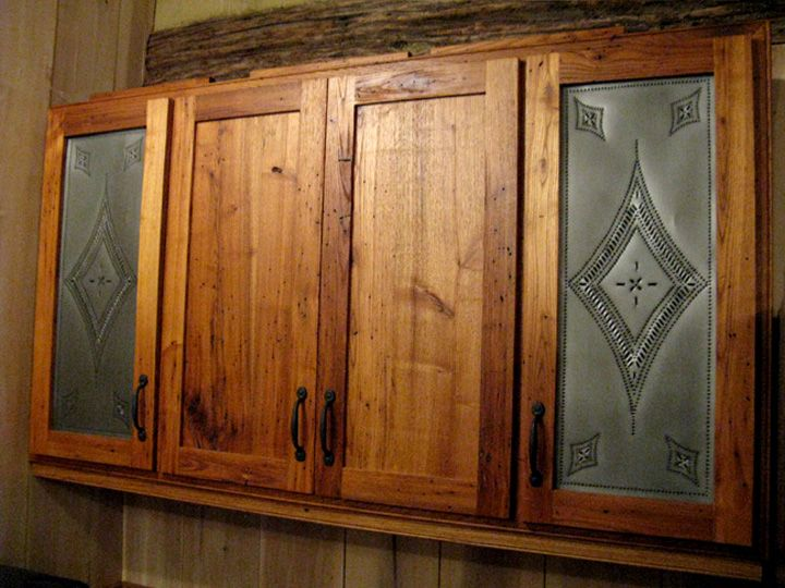 This Is How I Want Some Of Cabinets Whenever We Have Our Own Place Log Cabin Kitchens Cabin Kitchens Kitchen Design Decor