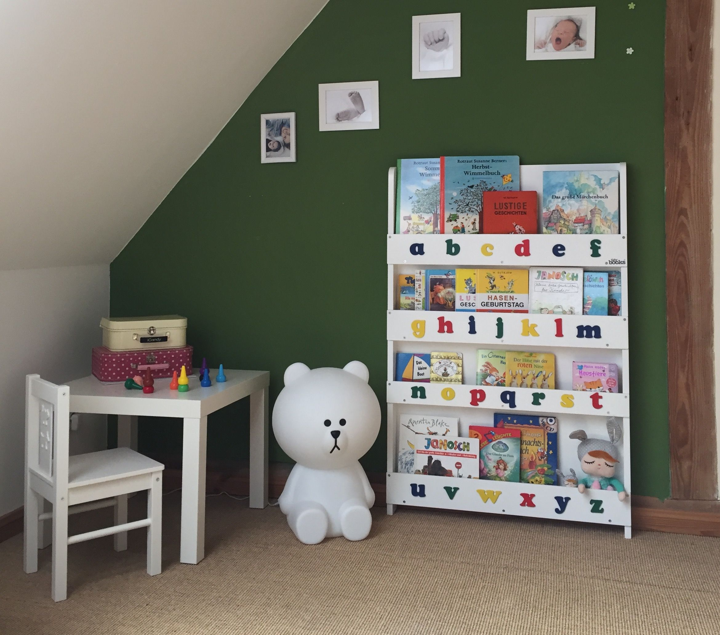 colour london com hallwaystyling bedroom area outside sigmarlondon from wall the bookshelf letter sigmar is pin collection child damo s cloud