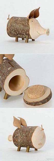 mega smart ide til at lave en spare gris, du skal bare skære et stykke træ ud som en gris og udhule den. :-)