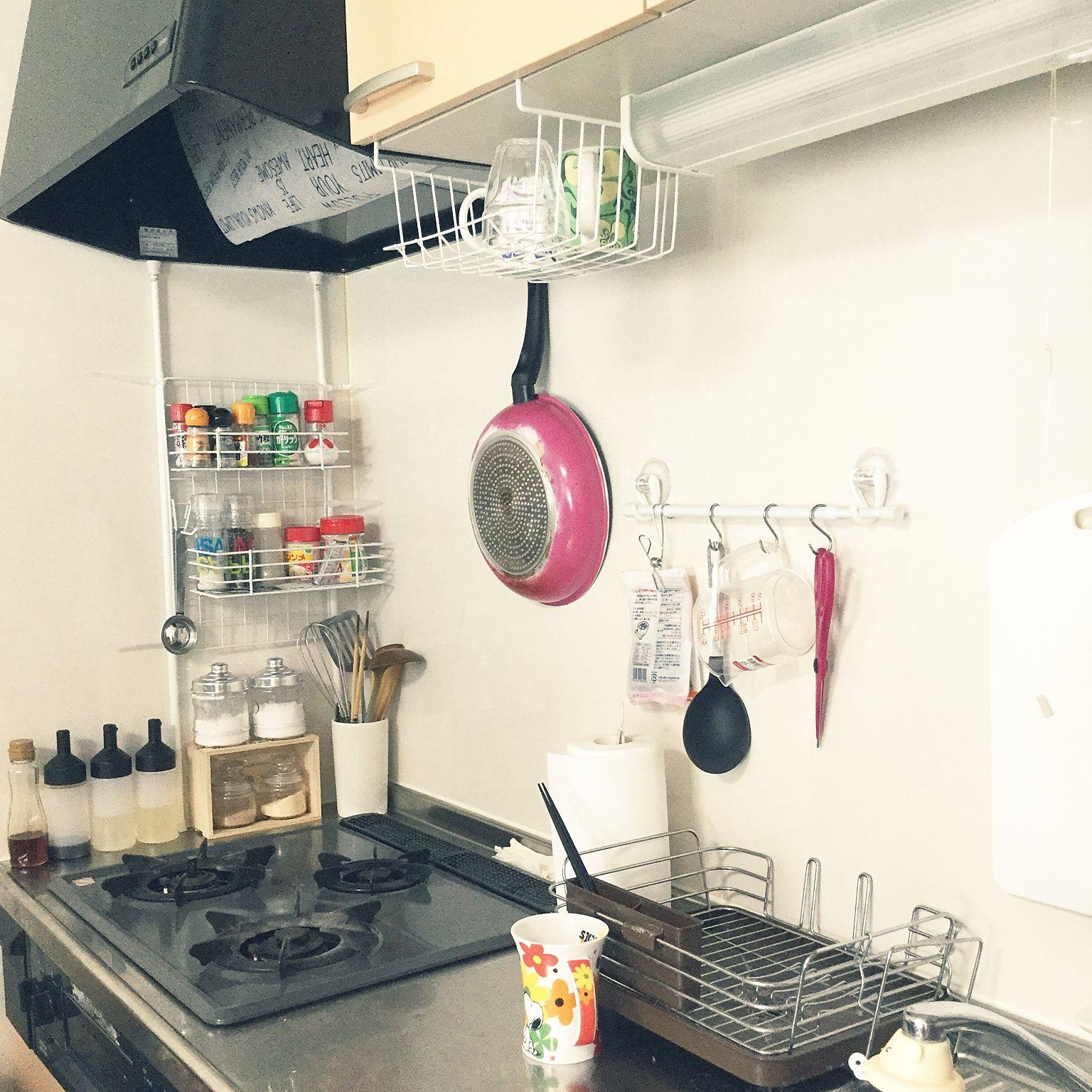 キッチン 無印良品 100均 つっぱり棒 調味料ラック などのインテリア