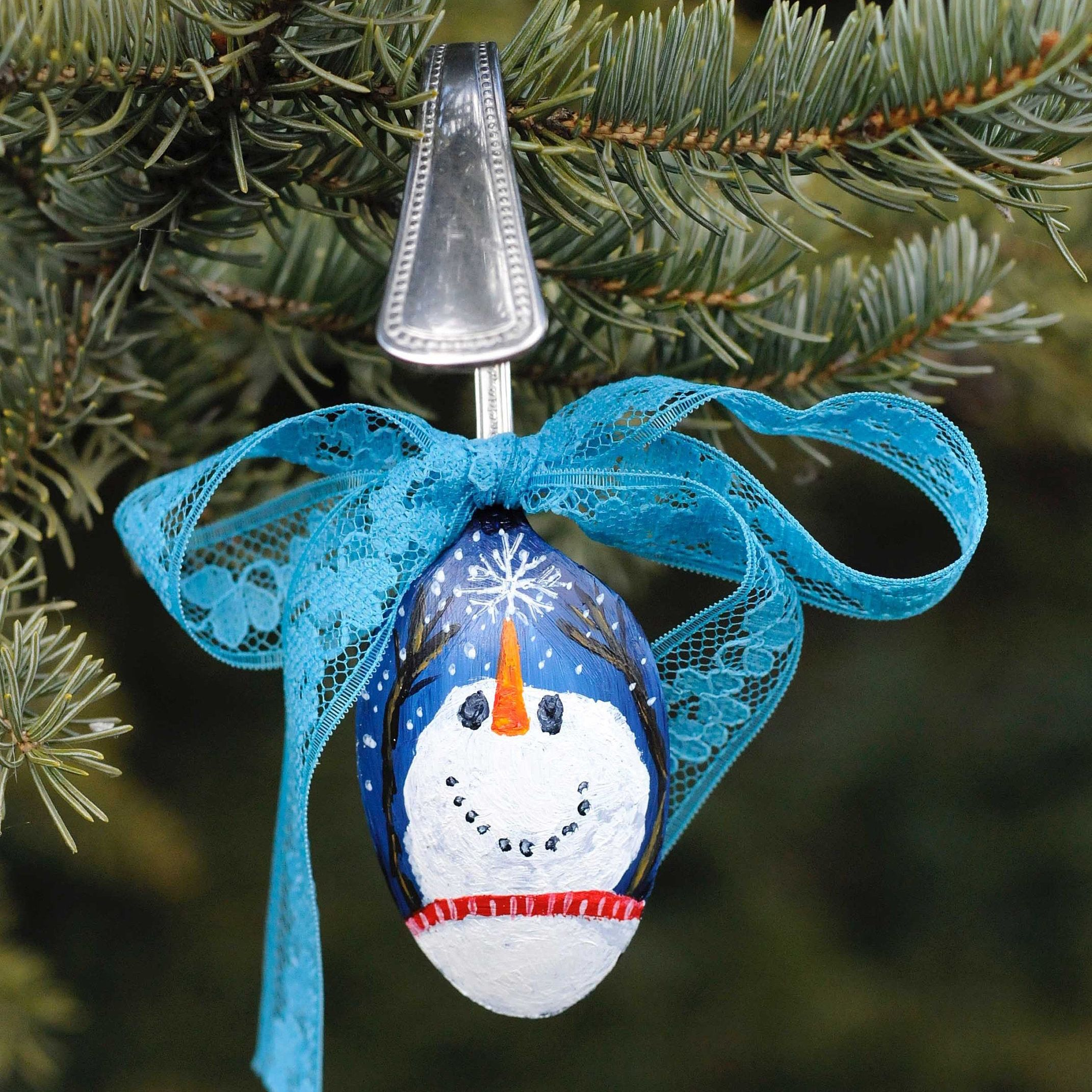 Hand Painted Snowman On A Spoon Christmas Ornament Spoon Etsy How To Make Ornaments Spoon Ornaments Snowman Painting