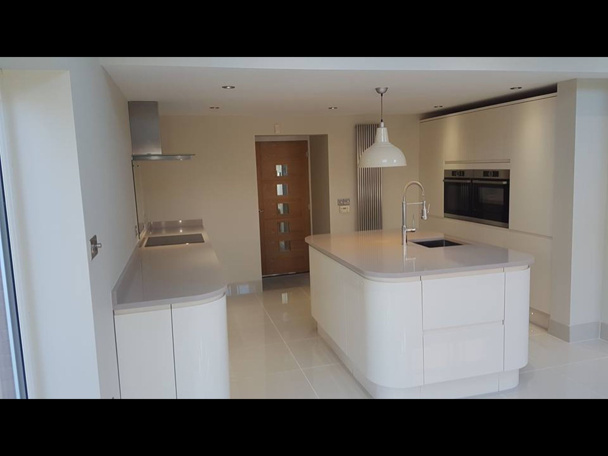 Gloss Kitchen Floor Tiles Clerkenwell Cream Gloss Howdens Ogaden Quartz Surface