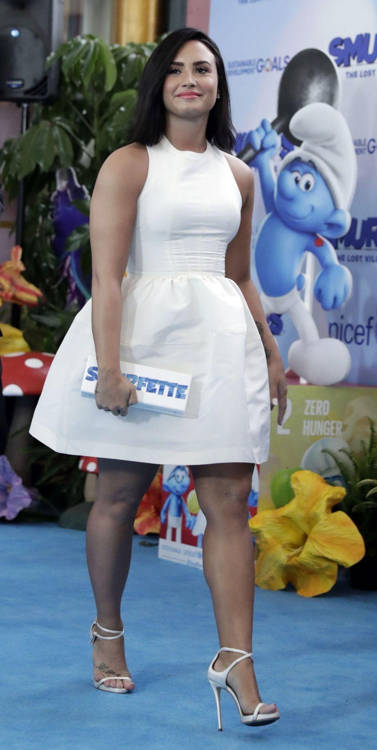 Demi Lovato dating vita killar kenyansk socker mamma dejtingsajt