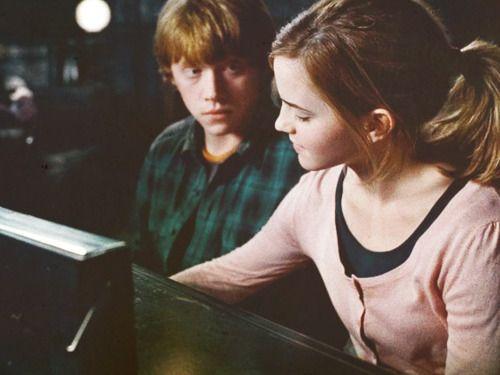 Ron Hermione So Much Better Than Ginny Harry Well Ginny Mostly Ron Und Hermine Hermine Ron Weasley