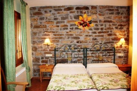 habitación verde de Casa Lacambra de Pueyo - Casa Rural Pueyo
