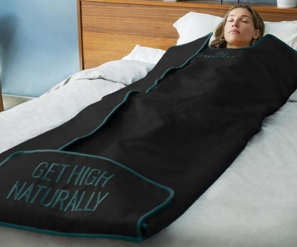Infrared sauna blanket for better health and wellness