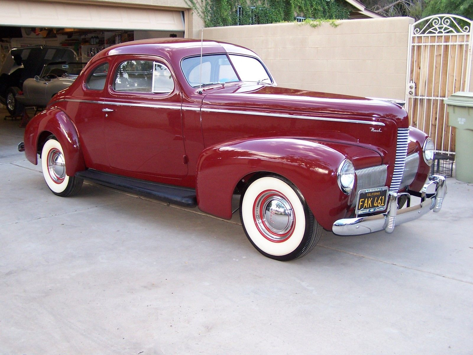 Nash business coupe