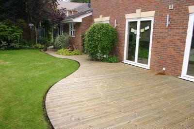 Low Decks Some Great Low Deck Designs To Enhance Your Garden