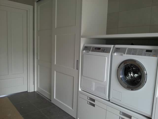 Kastwandsystemen, inbouwkasten en inloopkasten van De Hazelaar   bijkeuken   Pinterest   Laundry