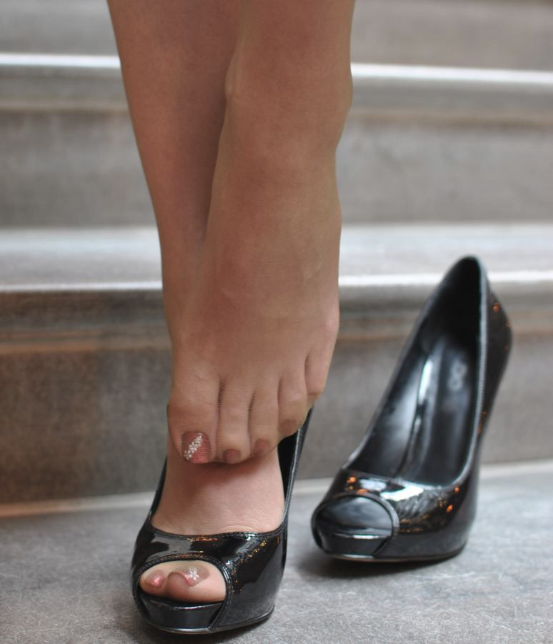 Woman Feet In Sheer Nylon And Peep Toe Nylons Pinterest Peeps Toe And Stockings