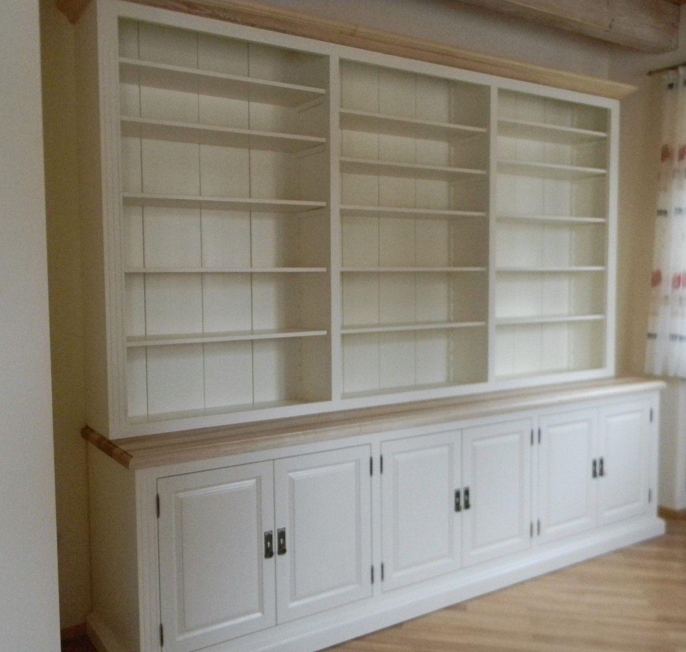 Bücherschrank weiß, Abdeckplatte und Gesimse in Ulme | Schreinerei ...