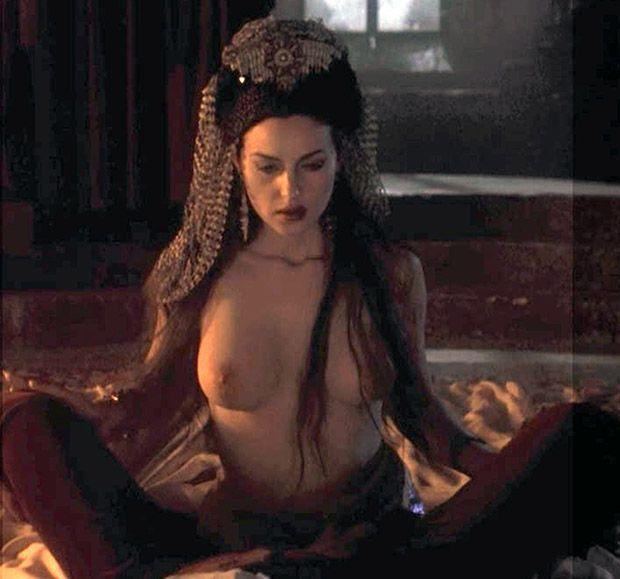 Bram stoker vampire sexy