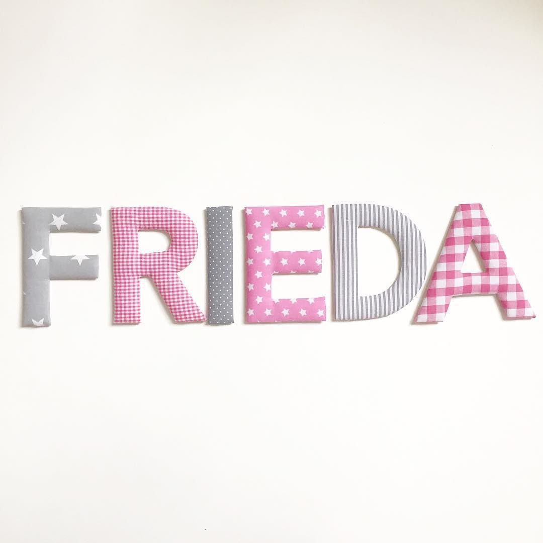 FRIEDA - Stoffbuchstaben in Grau- und Rosatönen #stoffbuchstaben ...