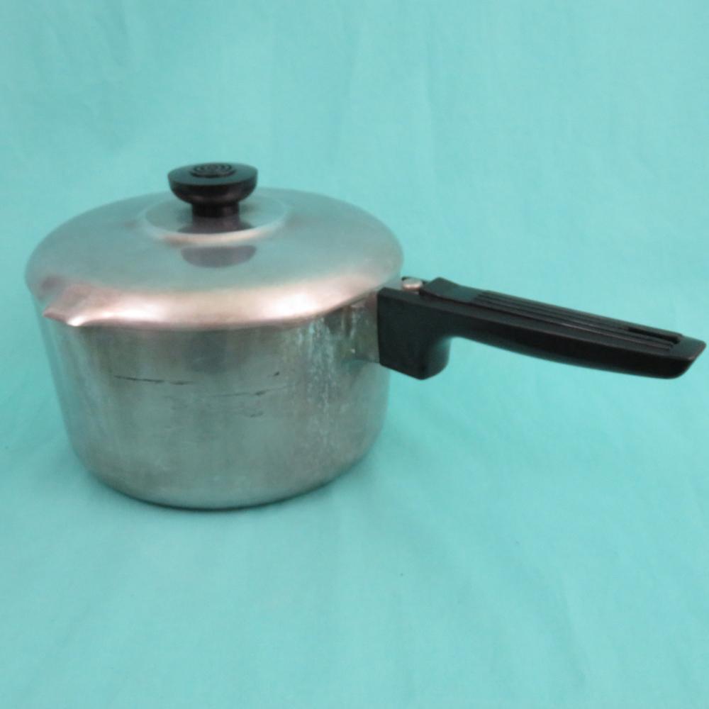 Magnalite 3 Quart Saucepan With Lid Cast Aluminum 2 Spout Etsy Vintage Cookware It Cast Lidded