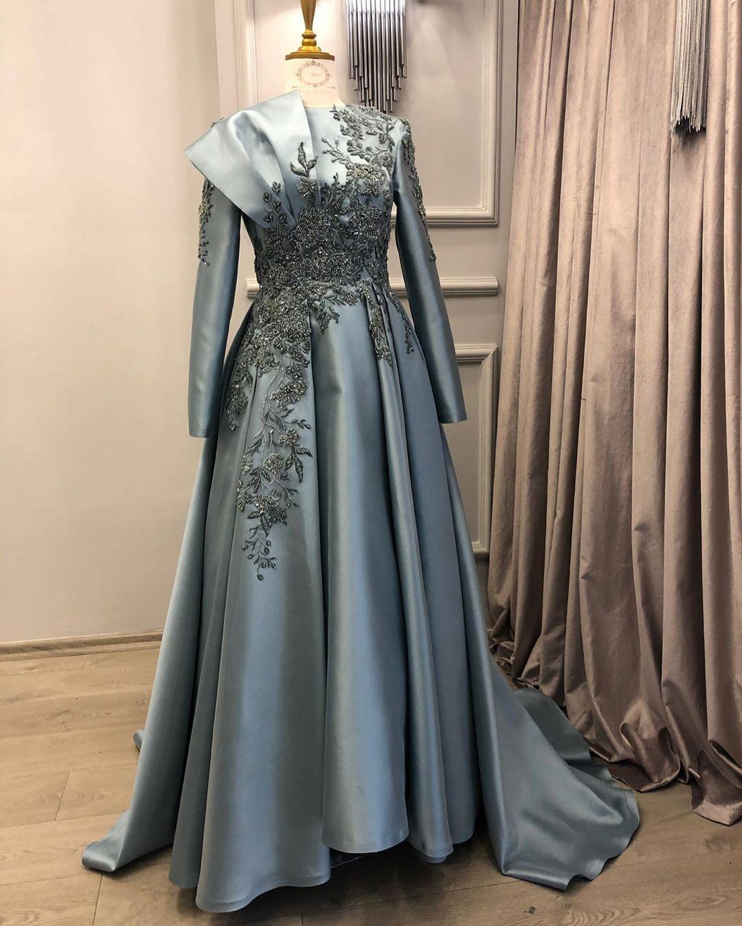 Kardelen Adli Kullanicinin Gowns Panosundaki Pin Elbise Dugun Boncuklu Elbiseler Sirin Elbiseler
