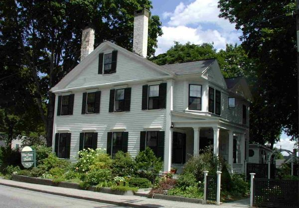 The Inn At Bath Midcoast Maine Bed And Breakfast In Historic Bath Maine Maine Bed And Breakfast Bed And Breakfast House Styles