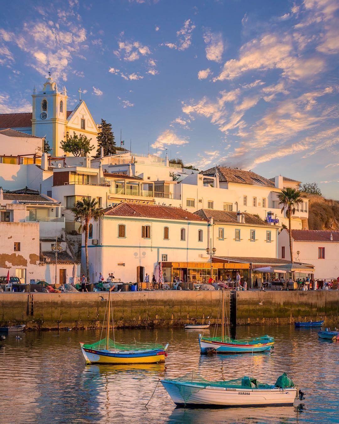 Ferragudo, Faro, Portugal | Algarve portugal, Praias algarve, Algarve