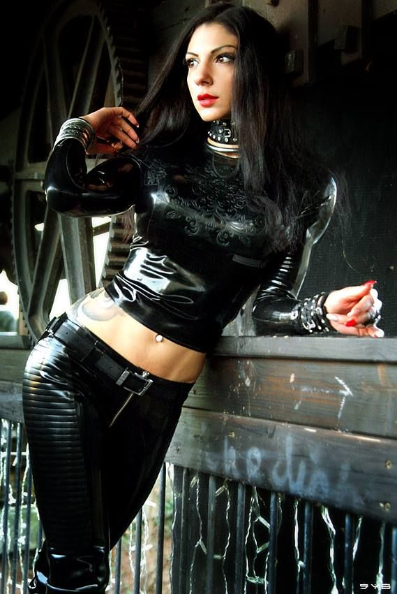 【Model:Valerie Vale】 【Outfit: Unique Rubber】 【 Photo: Strip-your-Brain Photography】   Latex models   Pinterest   Latex. Models and ...