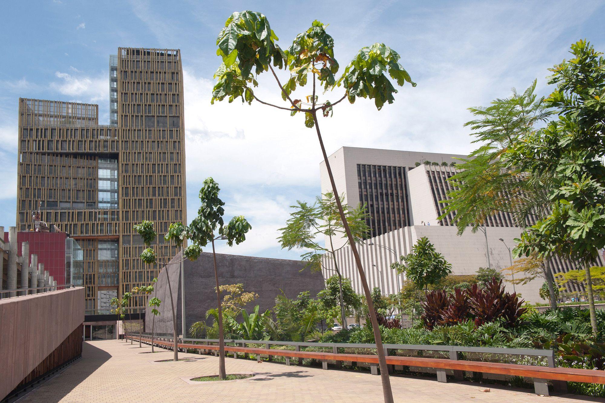 Galeria - Centro Cívico Plaza de La Libertad / OPUS + Toroposada Arquitectos - 8