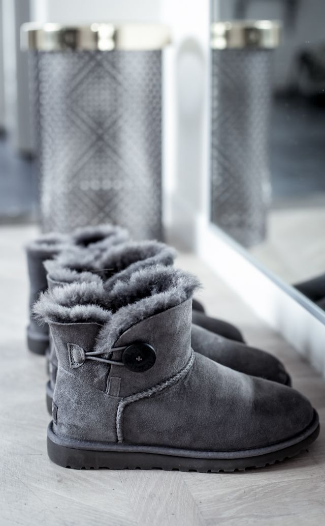 Ugg boots, Boots, Ugg winter boots