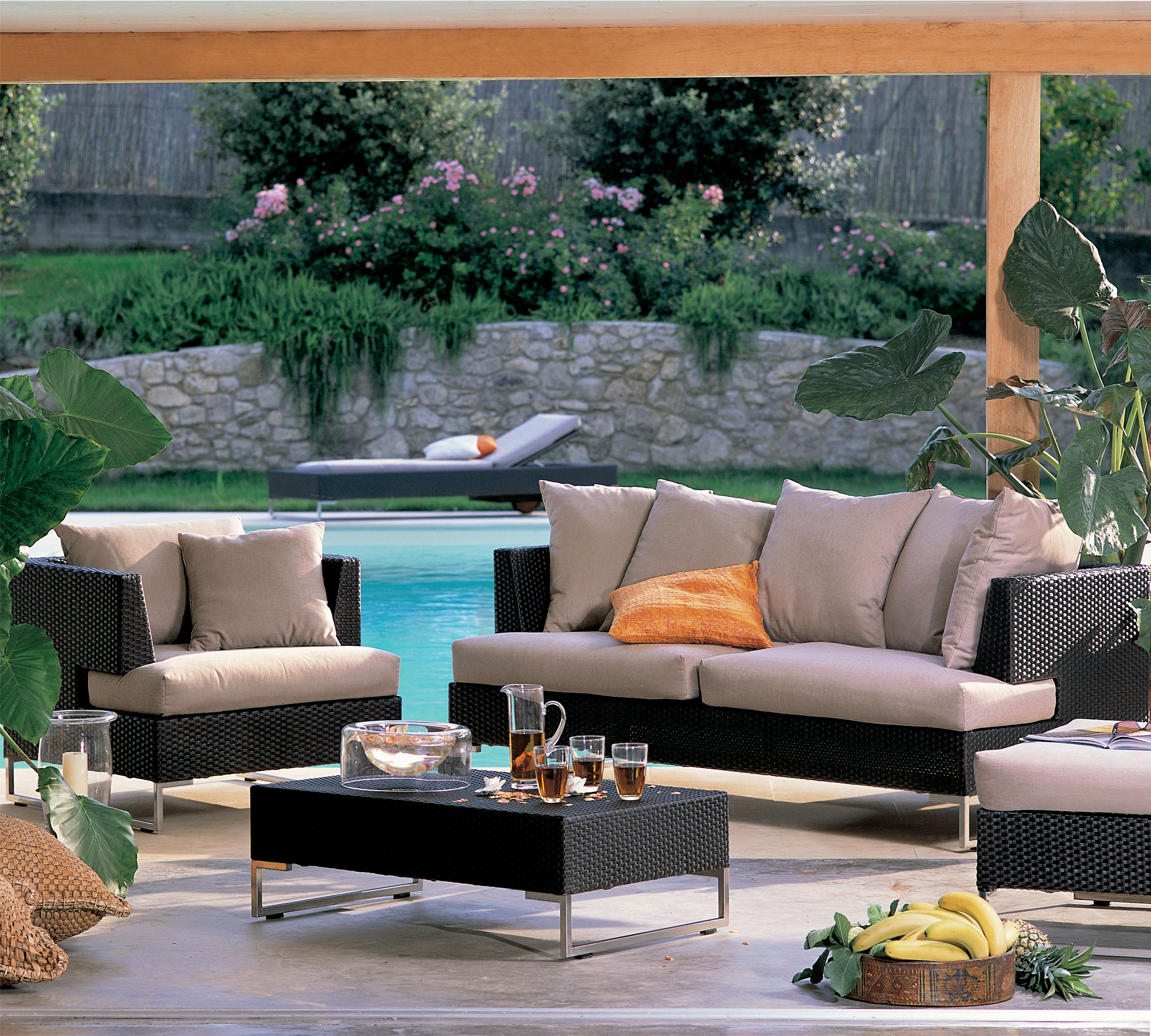 The Luxor Collection Is A Versatile And Complete Family Of Sofas And Armchairs Ele With Images Luxury Patio