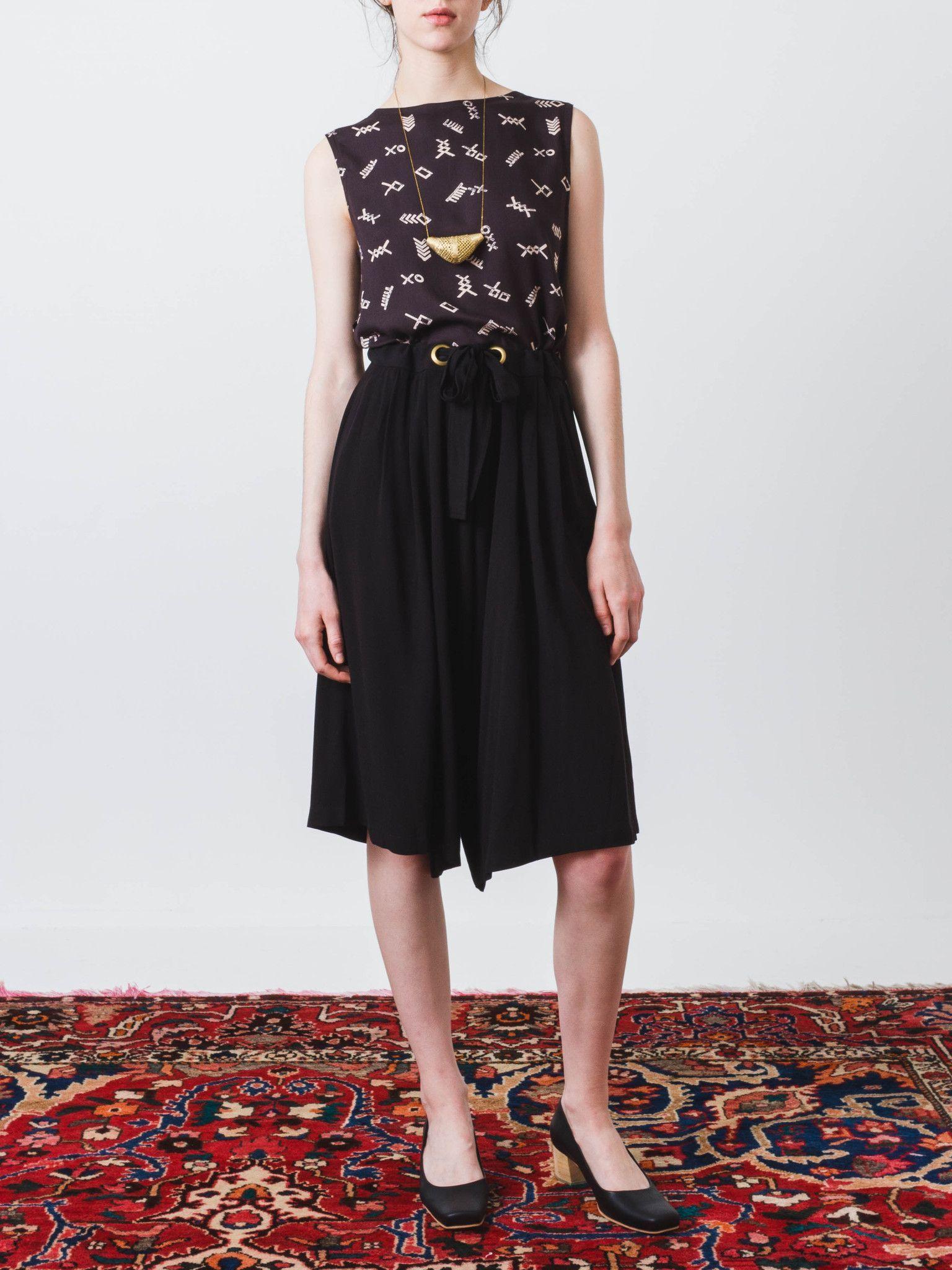 Black Crepe Baggy Shorts