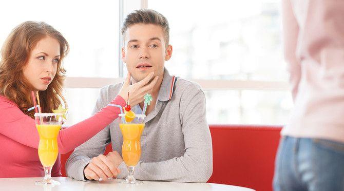 20 Smart Ways To Handle Your Boyfriends Wandering Eye