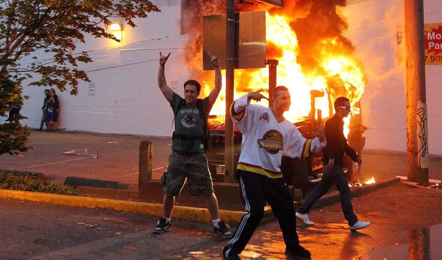11 Stunning Images Highlight the Double-Standard of Reactions to Riots Like Baltimore