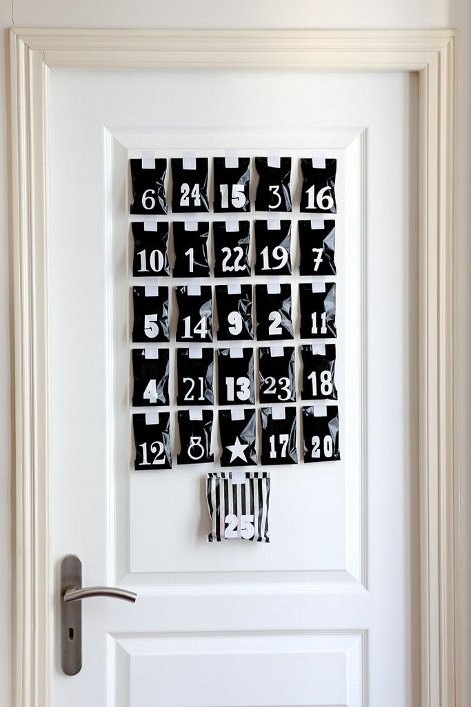 diy calendrier de l avent en noir et blanc calendrier. Black Bedroom Furniture Sets. Home Design Ideas