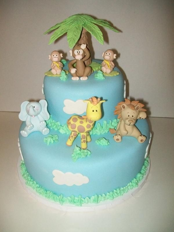I've been wanting to try making a jungle animals cake.