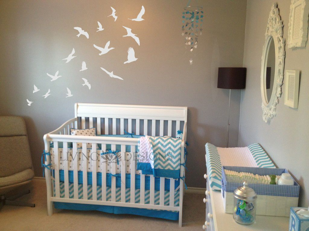 Decoraci n cuarto de bebes con plantillas decorativas - Papel de pared bebe ...