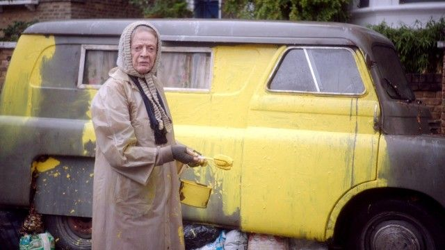The Lady in the Van trailer: Maggie Smith plays the woman who lived in Alan Bennett's front yard - video | Film | The Guardian