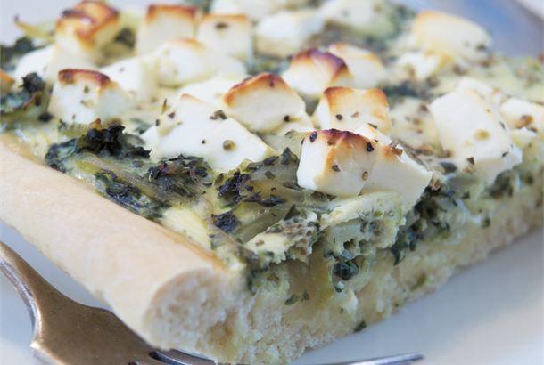 Kreikkalainen pinaatti-juustopiirakka
