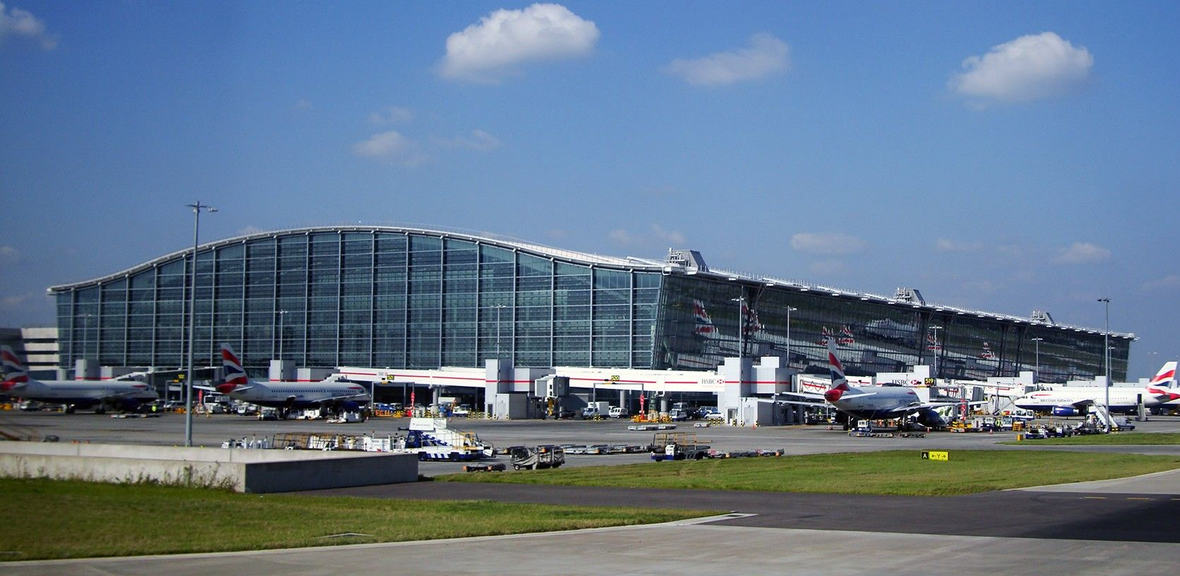 London heathrow airport places ive been pinterest 10 london heathrow airport kristyandbryce Images