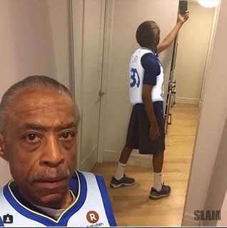 Rev. Al Sharpton takes a mirror selfie and the int