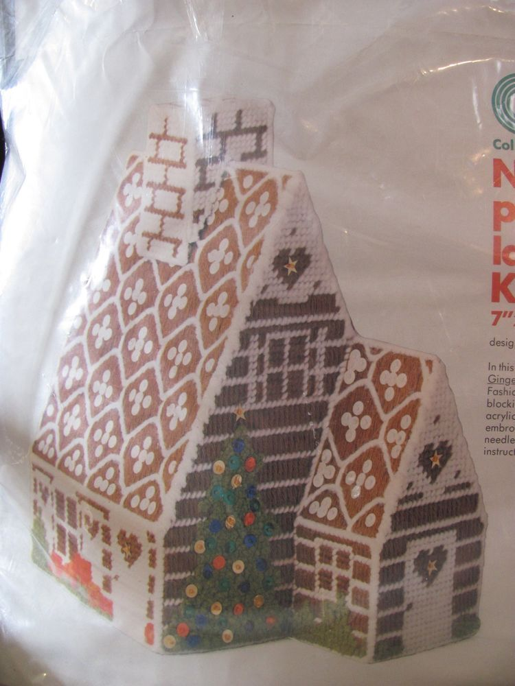 CM #8275 Gingerbread house-Plastic Canvas Kit Christmas