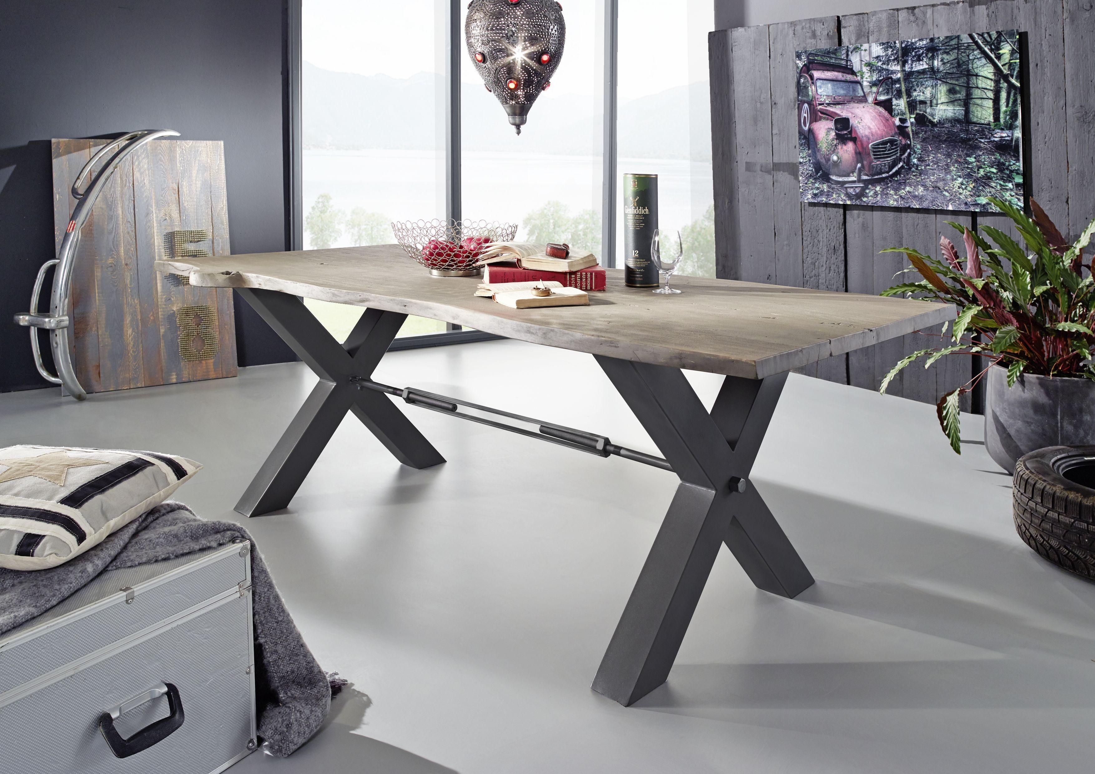 Esstisch der Serie BLACK LABEL. Diese Möbel lassen Gegensätze ...