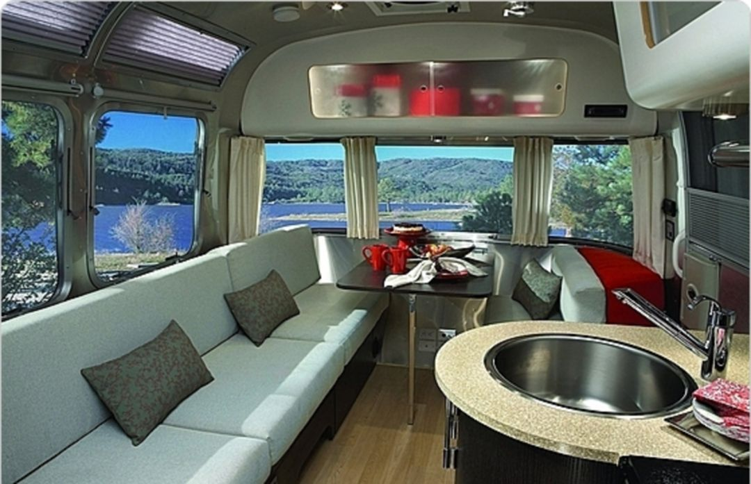 142 amazing airstream interior design ideas you wish to for Airstream decor