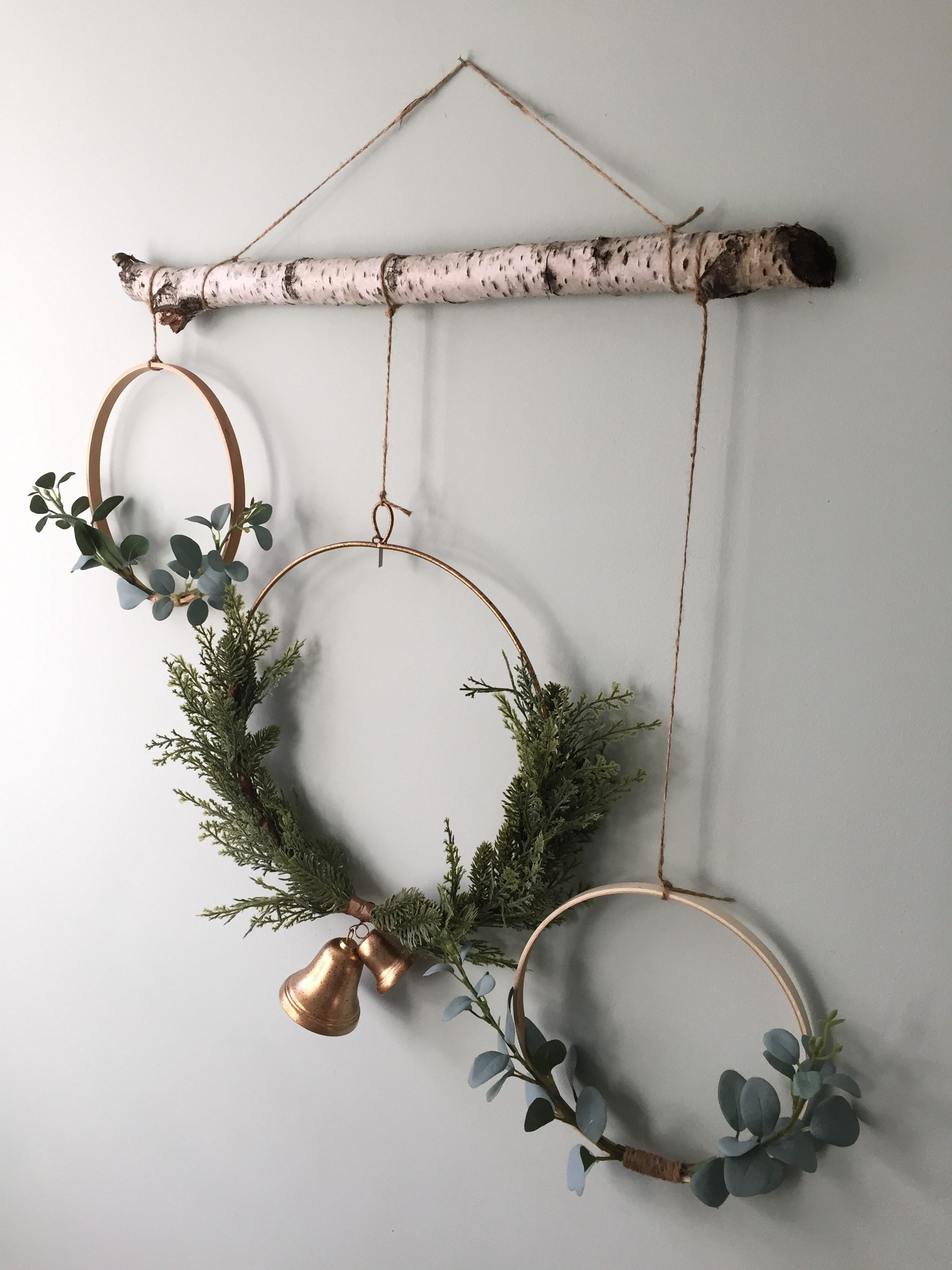 Photo of DIY Minimalist Farmhouse Wreath ~ New England interior design and home decor