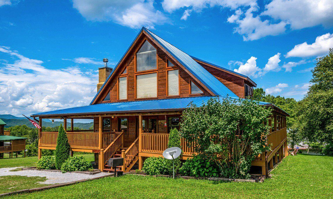 Gatlinburg Cabin Specials And Discounts On Cabin Rentals In 2020 Smoky Mountains Cabins Gatlinburg Cabins Cabin