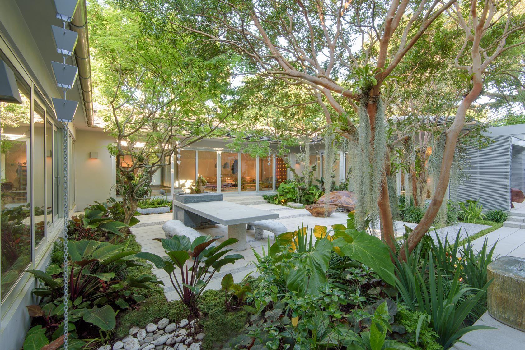 Miami Beach Residential Garden - Raymond Jungles. | Beautiful ...