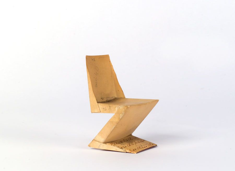 Zigzag Chair The Zigzag Chair Is An International Design Classic. Rietveld  Executed The Initial Models