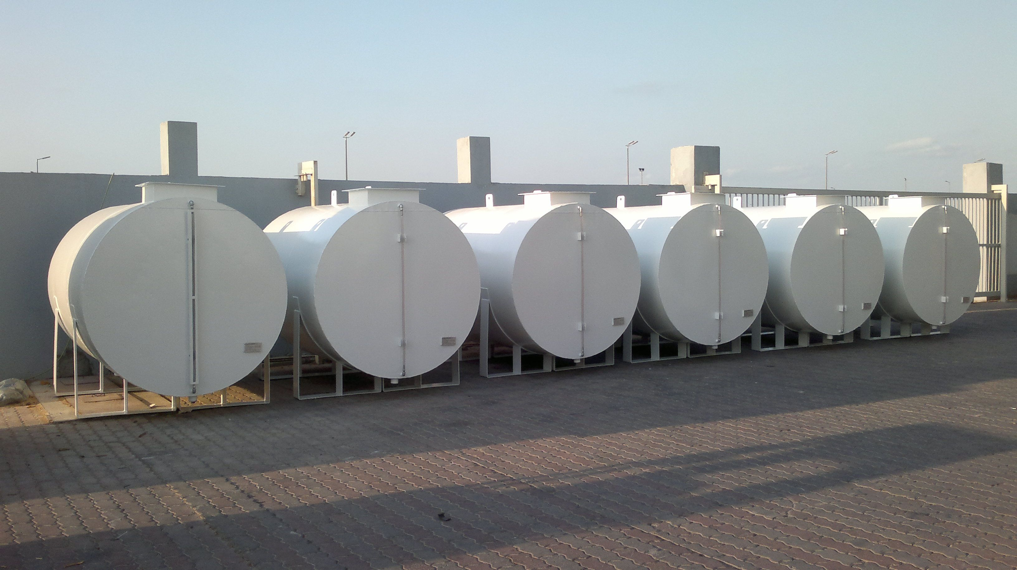 Dieselstoragetank Manufacturer In Uae Integrated Industries Produces Double Wall Dieseltanks Diesel Oil Storageta Storage Tank Fuel Storage Storage Tanks
