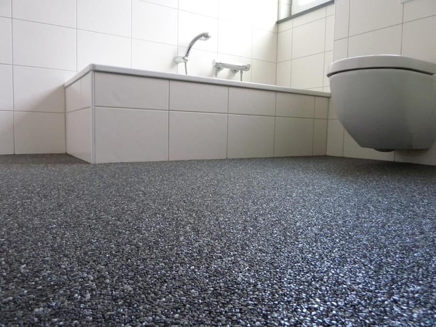 Steinteppich verlegen steinteppich im wohnbereich i steinteppich kueche steinteppich bad - Bodenbelag badezimmer fugenlos ...