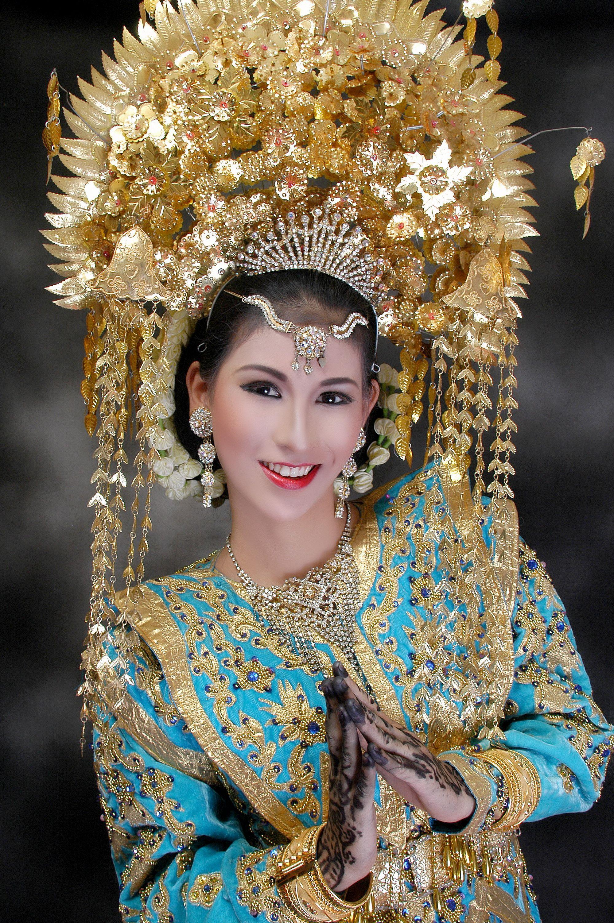 Gambar Pakaian Adat Sumatra Barat